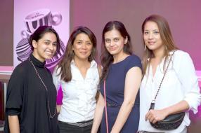 Farah Aboobaker, Barbara Ahsue, Nilakshi Hematlal et Sarah Jane Chong.