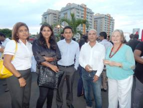 Indira Takooree, Planning Officer, Nazeera Pierre, Administrative Clerk, Kiran Seeborurth, Body and Paint Manager, tous trois de chez ABC Body and Paint, Salim Hansrod, Motor Surveyor travaillant à son propre compte, et Erenate Hansrod, retraitée.