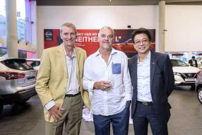 Jean-Pierre Mamet, directeur de TNS Tobacco, François Bigara, directeur général de Kanu Equipment, et Dean Ah-Chuen, Managing Director d'ABC Motors.