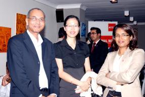 Bruno Madanamoothoo, Financial Controller, Joelle Wong Hing Nang, trésorière, tous deux de Vivo Energy Mauritius Limited, et Varsha Bishundat, ACCA Mauritius Network Panel Member.