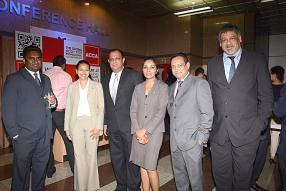Sajeev Busawah, Administrative Manager chez LCA, Madhavi Ramdin-Clark, Head of ACCA Mauritius, Eddirao Balloo, Head of Sales Branches and Private Banking de la SBM Bank (Mauritius) Ltd, Yamini Sibartie-Taukoor, Business Development Manager de l'ACCA Mauritius, Vashist Gohee, Chairman de l'ACCA Mauritius Network Panel, et Percy Philips, Head – Mobile Sales & Alternate Channels de la SBM Bank (Mauritius) Ltd.