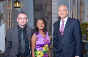Laurent Chabrut, Anjeelee Chinamal et Richard Arlove, tous des employés d'Abax.