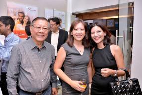 Roger How Hong, directeur d'Intermart, en compagnie de sa belle-fille Sabrina et de Christina Perrine-Hingun.