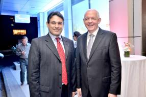 Ravneet Chowdhury, Chief Executive Officer de Bank One, aux côtés du nouveau Chairman, David Proctor.
