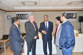 Le ministre Abu Kasenally (au centre), qui a procédé à l'ouverture officielle de la conférence, Ravin Unthiah, General Manager de Zilwa Attitude, Kim Nielsen, Areff Salauroo et Hicham Zouanat.