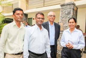 Samynaden Narainsamee, Amba Thungavelu, Iqbaal Badullah et Danielle Berlanga de la BTA.