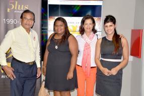 Amrish Sookur, Duty Manager de MCiné, en compagnie de Nathasia Fidèle, Tanuja Lutchmun, et Shameela Ramalgan, Duty Manager de MCiné.