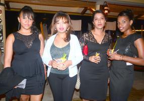 Nathacha Herbu, Assistant HR, Talia Alairy, commerciale, Brenda Brigitte et Annabelle Felicite, comptables, toutes les quatre de Trait D'Union Ltée.
