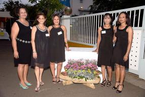 Véronique Rohan, Ghilaine Boribon, Patricia Hope, Madvi Ramah et Michèle Marquet, toutes de la compagnie Scomat.
