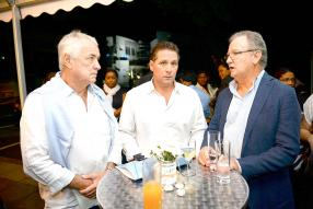Jean-Pierre Henry, Managing Director chez Charters Ltd, Dominic Dupont, et Hector Espitalier Noel, CEO du groupe ENL.