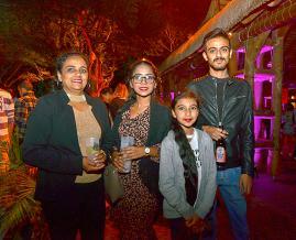 Asha Gungadin, fonctionnaire, Rishata Nugessur, assistante à Biosanté, Preeyash Seegoolam, assistant pharmacien, et la petite Diveesha.