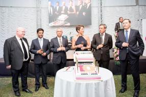 Jim Besnard, directeur de sites chez EURO CRM Mauritius, Roshan Seetohul, Pravind Jugnauth, ministre de la Technologie et de la communication, Pia Heitz-Casanova, présidente d'EURO CRM Group, Xavier-Luc Duval, ministre du Tourisme, et Laurent Garnier, ambassadeur de France à Maurice.