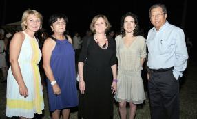 Régine Lebrun, directrice de communication du Sofitel, Gina Lam, Betty Nialet, éditrice, Mazarine Pingeot, écrivaine et fille de François Mitterand, et André Lam, directeur de Bookcourt.