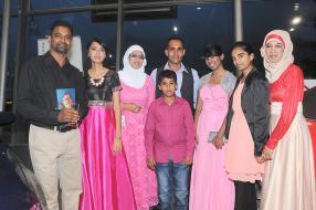 Ahmad Owadally, Sameena Alladin, Shazia Rustom, Imteaz Runjith, Anas Rustom, Amreen Khodababus, Huleemah Peerbux et Shaheen Rustom.