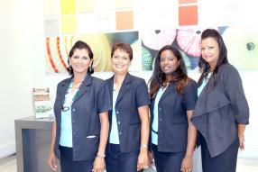 Roselyne Margueritte, Janick Rousseau, Jennifer Henry, Jessica Petit, toutes des chargées de clientèle du showroom  de Mauvilac.