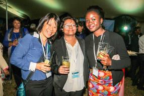 Darlene Lam Po Tang, Chief Judge de la conférence Toastmasters Clubs 2016, Brinda Surnam, classée 3e dans la catégorie Table Topics, et Diana Danmadami, gagnante dans la catégorie Humour Speech.