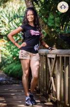 Jeena Uckhoy 26 ans, détient un BA en Fashion and Textile. Elle travaille actuellement en free-lance, mais souhaite lancer sa boîte.