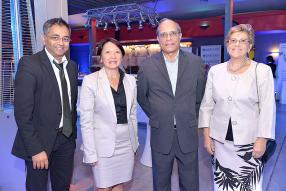 Yousouf Ismael, Chief Executive Officer de Global Finance Mauritius, Nathalie Sin Chan, Barclays at Work Manager,  Serge L'Ecluse et son épouse, Premier Banking Customers.