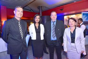 Philippe Fernbach d'Ixina Kitchen, Shaheen Gunness, Relationship Manager à la Barclays Bank Mauritius Limited, et Philippe Marteau, directeur d'Ixina Kitchen.