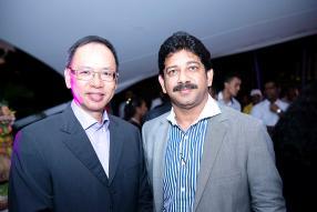 Jean Philippe Venpin, directeur général de Winners, et Salim Suleman, directeur général de Margarine Industries Ltd, et représentant local de Lesaffre.