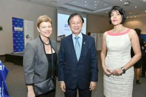 Jane Valls, Director du MIoD, Georges Leung Shing, President Audit Committee Forum, et Aruna Collendavelloo, Chief Legal Executive/Director de Rogers Group.