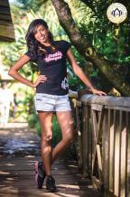Nelly Sungeelee 26 ans, est diplômée en management. Elle est assistante administrative et comptable. Elle rêve de lancer son entreprise.