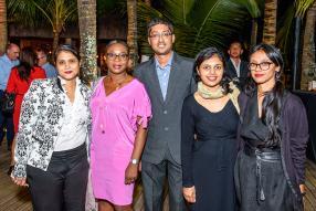 Uma Jokhun, Ghislaine Tchibozo, Preetam Ramphul, Nundita Nundlall et Nafeesha Kinoo, tous de MC Vision.