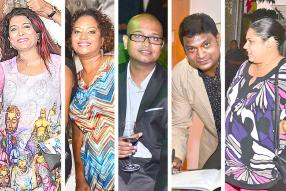 Les collaboratrices Tulsi Ittoo-Sumboo et Natacha Francois, Hansley Antoine, Vinay Soobrun et Vanessa Teycheney-Munso, anciens journalistes à 5-Plus.