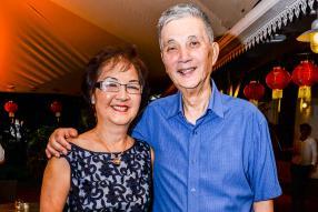 Frances et son époux Charles Ng.