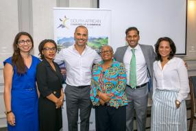 Parveen Mactoom, Manager de Sabre Mauritius, Mozambique & Indian Ocean Islands, Mbali Magagula, Samer Kassem, Chief Executive Officer (CEO) d'Aspen Global Incorporated, le Dr Nomvuyo N. Nokwe, Bilal Adam, CEO d'Investment Capital, et Rita Poongavanan.