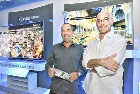 Xavier Clément, Group Procurement Manager, et Christophe Harel, Logistics Manager, tous les deux d'Evaco Group.