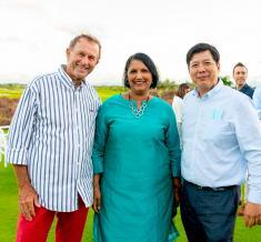 Le Dr Guy Adam, chirurgien général à la Clinique Darné, Jyoti Jeetun, CEO du groupe Mont Choisy, et Clive Chung, COO de la Clinique Darné.