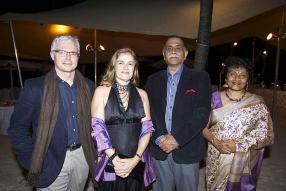 Daniel Fitzpatrick, Professeur de l'Australian National University, en compagnie de Suzanne Coles, Australian High Commissioner, Shantanu Mukharji, National Security Adviser to the Prime Minister, et Sumita Mukharji.