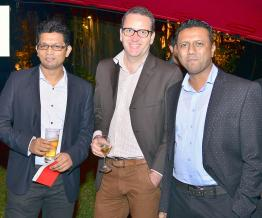 Vikram Ramgolam, Transmission Coordinator, Loic Noret, Data Services Manager, et Shah Nawaz Hossenbaccus, Network Implementation Manager, tous d'Emtel.