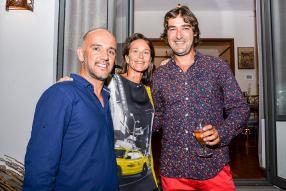 Thierry Serret, Joséphine Eynaud, et Denis Vinson, partenaire du restaurant Carpe Diem et directeur de Metal Concept Ltd.