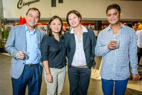 Anthony Tseung, General Manager d'ABC Automobile, Anna How, Customer Service Executive d'ABC Motors, Christine Woo, Sales Advisor d'ABC Motors, et Yash Mahomod Jaumeer, un invité de la soirée.
