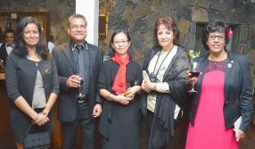 Jocelyne Hubert, Rolando Bergicourt, Daisy Vacher, Violette Olivier, toutes des membres du Lions Club de l'île Maurice.