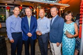 Dick Li Wan Po, directeur de Food Canners, Son Excellence Li Li, ambassadeur de la République populaire de Chine à Maurice, Wilfrid Koon, expert-comptable, Jacques Li Wan Po, CEO du groupe Jacques Li Wan Po, et son épouse Liliane.