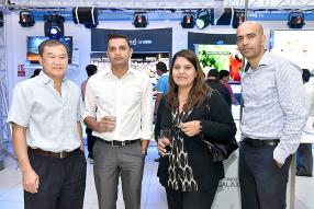 Basile Leung, Senior Purchasing Officer de Galaxy, Nitin Ragnuth, Brand Manager de 361, Bilkiss Jaulim, directrice de Jaulim Plaza, et Kamal Boolkah, Retail Sales Manager de 361.