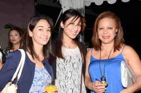 Wendy Ah-Gin, Sales Executive, Jenna Lam, Account Executive, toutes deux d'Arcadia Travel, et Marylyn Busooa, chef d'agence chez Sky Flyers Travel Services.