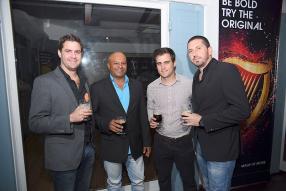 Pascal Ducray, propriétaire de Bar&Vous, Sanjay Beebul, manager de Bar&Vous, Alexandre Boullé de Phoenix Beverages Ltd, et Fabien Breton, également propriétaire de Bar&Vous.