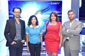 Clovis Wong, Chief Executive Officer de TheBrandHouse, Sharon Malinine, Brand Executive de TheBrandHouse, Aurélie David, Product Manager pour Samsung Mobile, et Navin Peerthy, Regional Director de Samsung Indian Ocean.