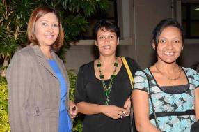 Soorya Oogarah, Managing Director de Rogers Aviation Services, Connie Rosse et Genevieve Thanthonee, toutes deux Travel Consultants de Rev Voyages.