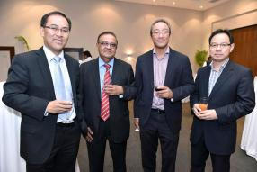 John Chung, Partner chez KPMG, Jaye Jingree, CEO chez Kross Border, JP Lim Kong, Chief Financial Officer, de CIM Group, Cyril How, Director chez Lottotech, tous ayant fait leur apprentissage à KPMG.
