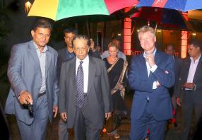 Le Premier ministre sir Anerood Jugnauth et Philippe Espitalier-Noël, CEO de Rogers & Co. Ltd.
