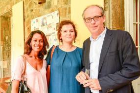 Charline Chan et Elise Mignot de Porteurs d'Images, et Denis Lacour, président de la Chambre de Commerce et d'Industrie France-Maurice.