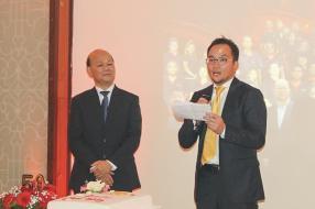 Charles Li, en compagnie de Nobuo Goto, Managing Director de Makita Gulf FZE, lors de son allocution.