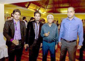 Yusuf Cader, directeur du magasin Cader, Idris, Adhil et Irchad Mohamudally du magasin ELYSEE MODE.