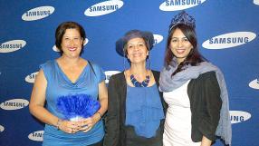 Pamela Bhuruth, Marketing and Retail Manager de Samsung, et Marie Claire Drouin d'IBL accompagnée d'une amie, Mylène Cangy.