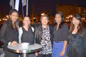 Carène Isabelle, Senior Officer, Laetitia Moutoo, Senior Officer, Mary-Joyce Wan, Sales Administrator, Cindy Sophie, assistante de direction, et Astha Soniah, Human Resources Manager, toutes de MC Vision.